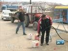 Българи по границата зареждат гориво от Македония