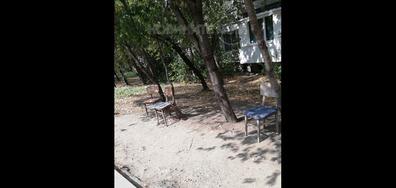 Обезопасени столове от добри и съвестни граждани