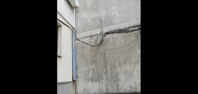Висящи кабели в Търговище