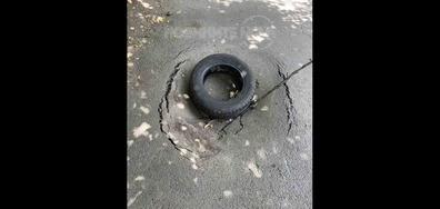 Поредна яма на улица в София