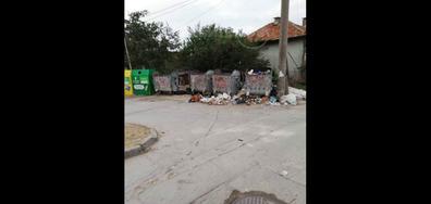 Непочистен боклук във Варна