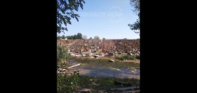 """Безобразно изхвърляне на отпадъци на баласт кариера във """"Враждебна"""", София"""