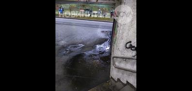 Стълбището към тролейбусните спирки под НДК