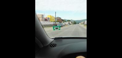 Скрити катаджии с цивилен автомобил