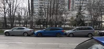 Паркирал автомобил пред ВМА на 12.04.2021г.