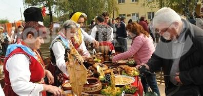 В с. Сребърна над 200 кулинари показват стотици гозби на Добруджа