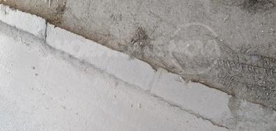 Под цялата кал има маркировка или дори асфалт