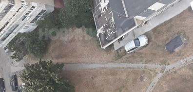 Паркиране в зелени площи