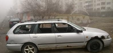 Захвърлен и потрошен лек автомобил