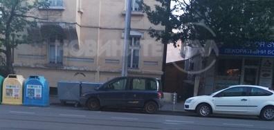 Неправилно паркирана кола, паякът не я вдига