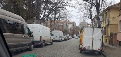 Двупосочна улица със синя зона