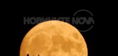 Преди пълния изгрев на Луната
