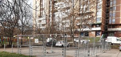 Частен имот насред общински паркинг