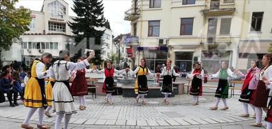 Танцов състав от Разлог - гордостта на града