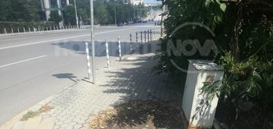 Разрушен тротоар