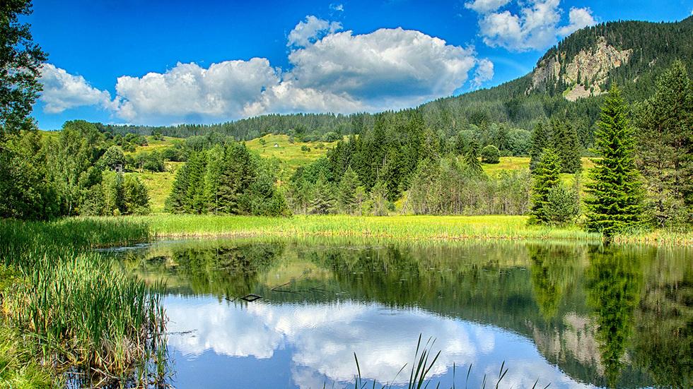 Едно от Чаирските езера в Родопите