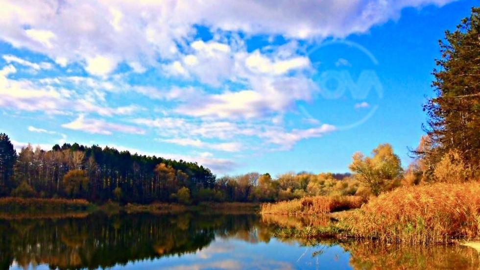 Огледала се Есента...