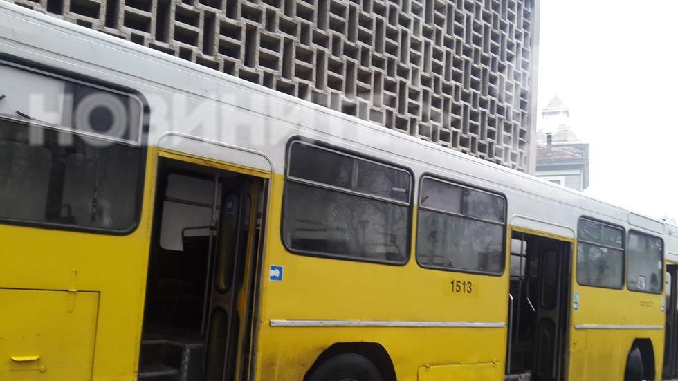 Автобус на градския транспор