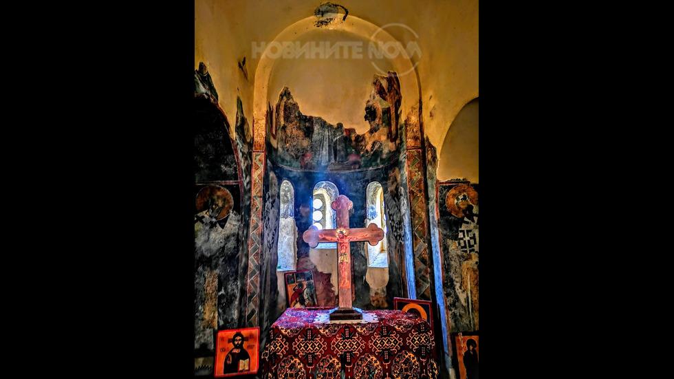 """Кръста в църквата """"Св. Богородица Петричка"""""""