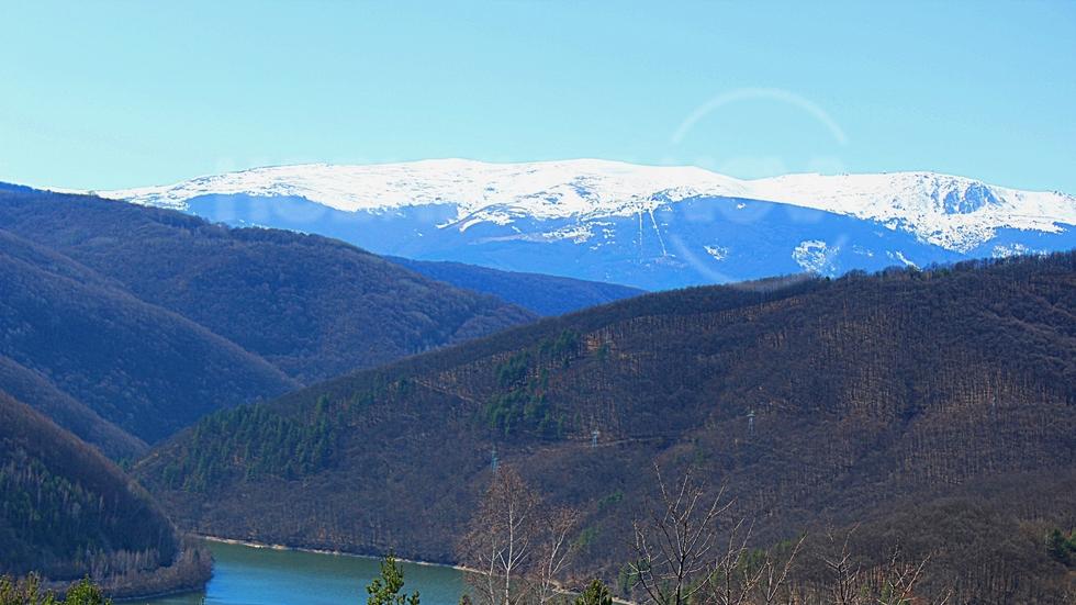 Лозенска планина и снежна Витоша
