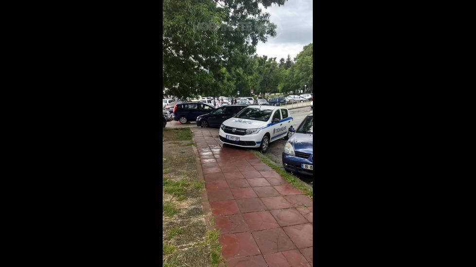 Неправилно паркиране на полицейски автомобил
