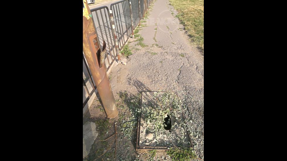 Опасна шахта за кабели до училище в София