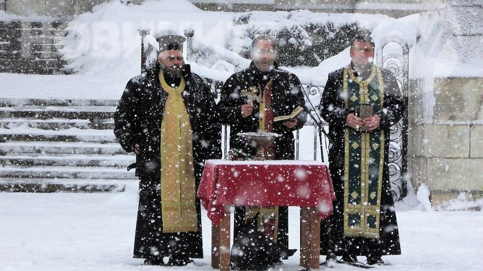 Благославяне на бойните знамена в Плевен!