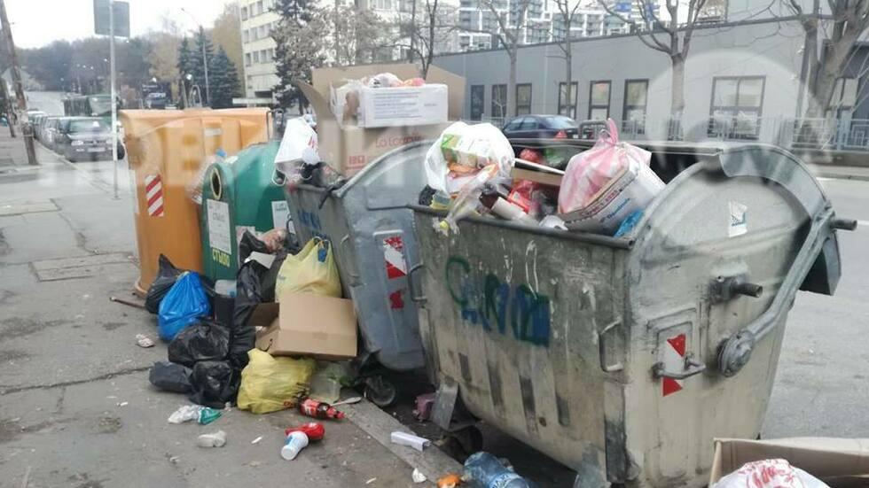 Боклукът в София