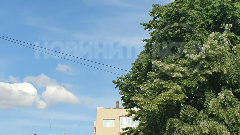 Незаконни кабели върху санирани блокове