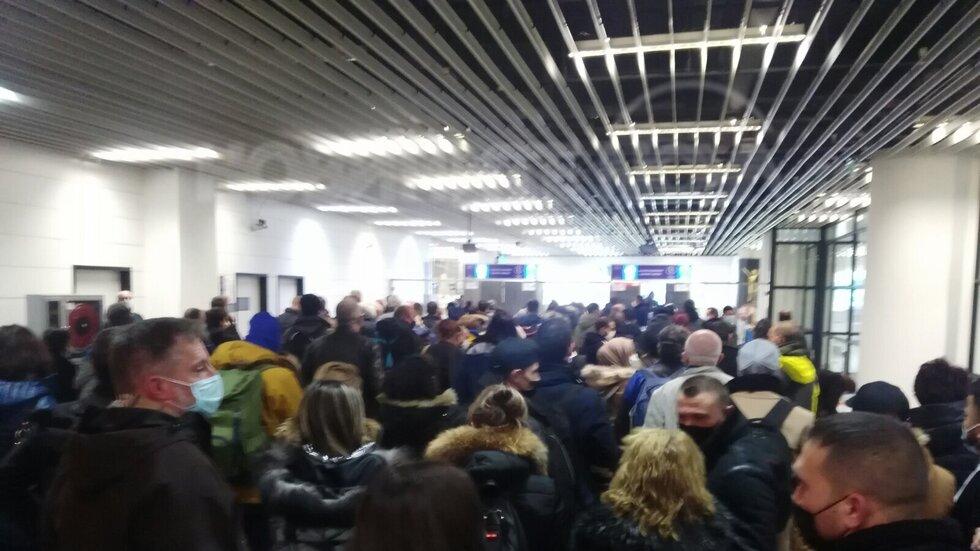 Най-противоепидемичните мерки тази вечер на летище София!