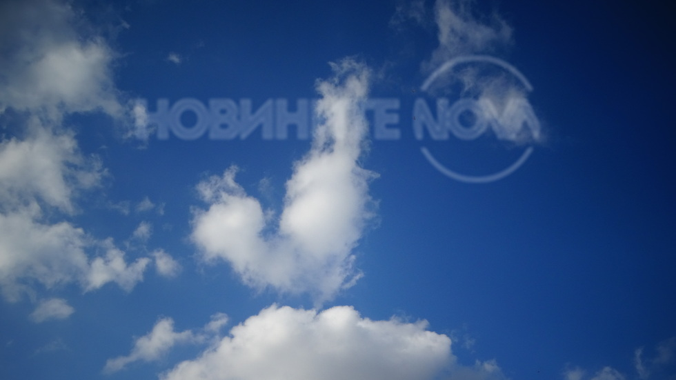 Красиво октомврийско небе