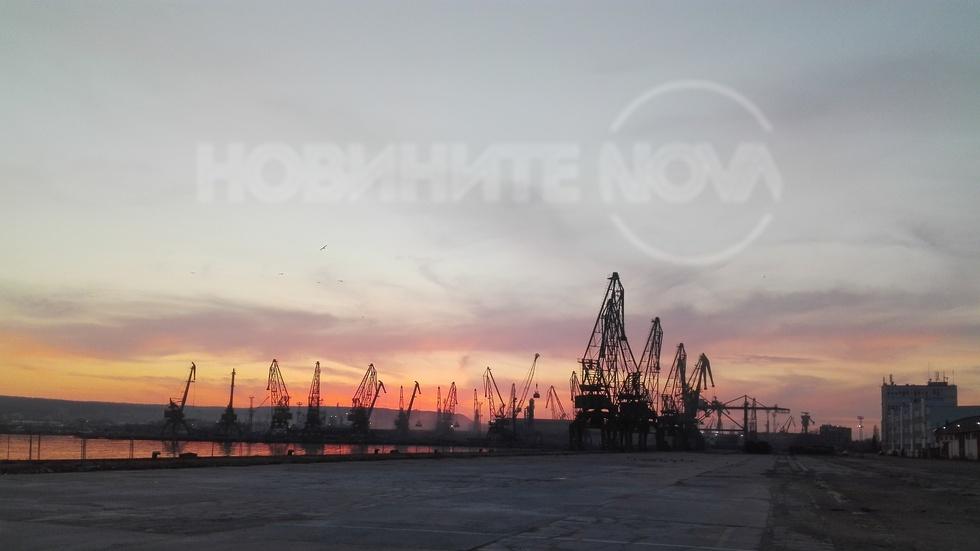 Огнено небе във Варна