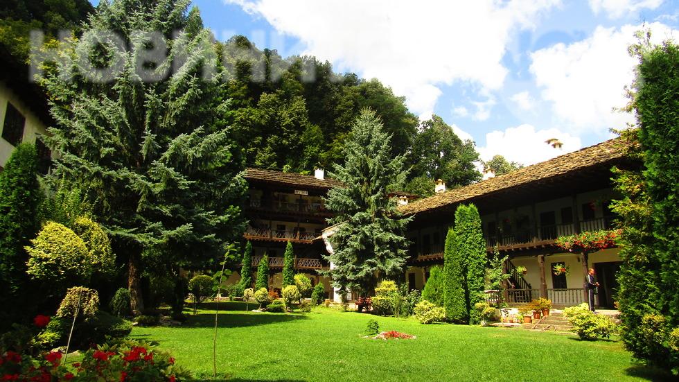 Успение Богородично - празник на Троянския манастир