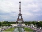 Бомбената заплаха на Айфеловата кула