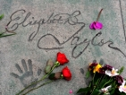 Погребаха Елизабет Тейлър