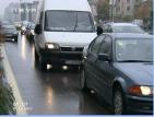 На места пътните настилки в страната са все още мокри