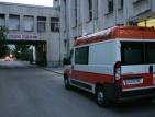 Съдебните лекари зарязаха труп на жена в линейка
