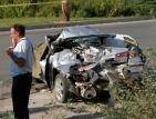 Двама младежи са с опасност за живота след тежка катастрофа в Сопот