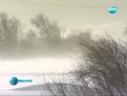 Обилни снеговалежи усложниха движението в страната тази сутрин