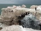 Скалите край Камен бряг и Тюленово замръзнаха