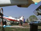 В музея на авиацията доброволци реставрират експонати