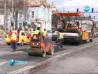 Кърпят ударно дупки във Варна, шофьорите недоволстват
