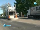 Тирове направиха километрични опашки на границата с Турция