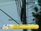 Опасни кабели висят по улиците на Букурещ