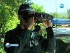 Тежко въоръжени жандармеристи пазят черешите в Кюстендилско