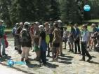 Френски скаути помагат на възрастни в смолянско село