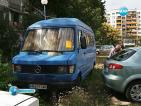В Пловдив започнаха да вдигат старите коли, изоставени по улиците