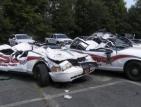 Фермер прегази с трактор седем патрулки на полицейски паркинг в САЩ