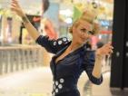 Двойнички на Лейди Гага превзеха столичен мол