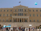 Меркел и Оланд преговарят за отстрочка за Атина
